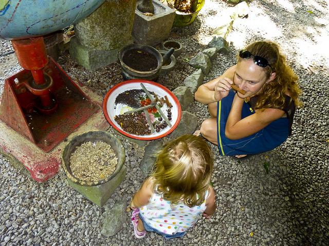 Ella spice garden: trying some Sri Lankan spices